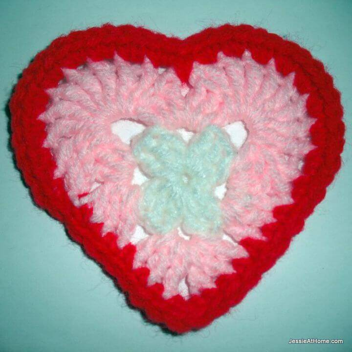 Easy Crochet Heart Appliques - Free Valentine Day Pattern