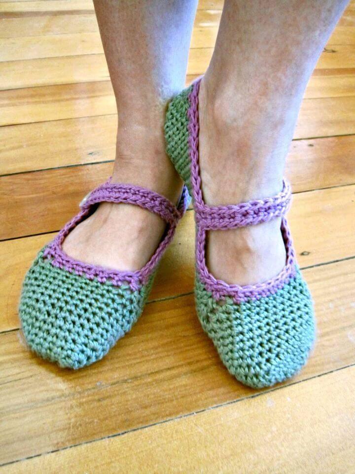 Easy Crochet Mary-Jane Slippers - Free Pattern