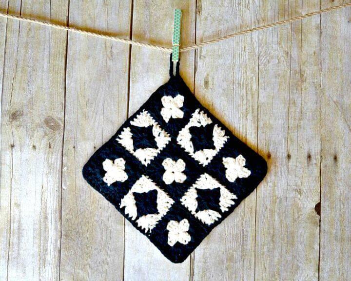 Easy Free Crochet Modern Granny Square Potholder Pattern