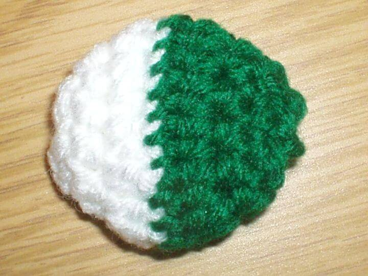 Free Crochet Muffin's Cat Ball Pattern