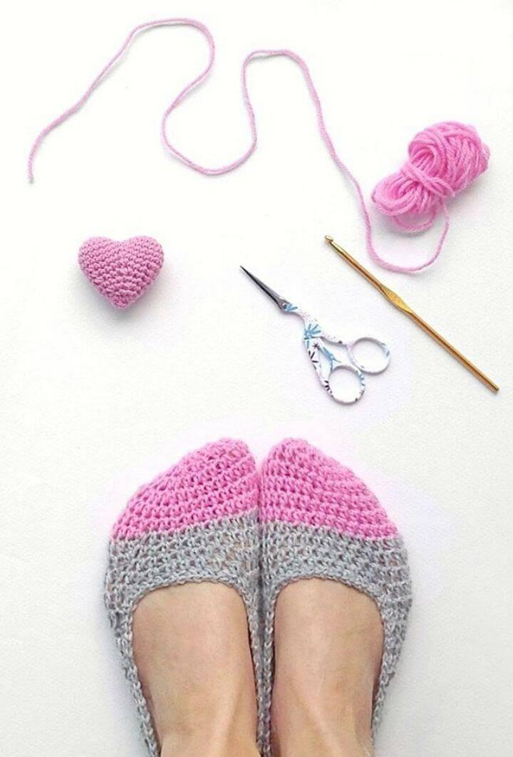 Crochet Slippers & Mini Heart - Free Pattern