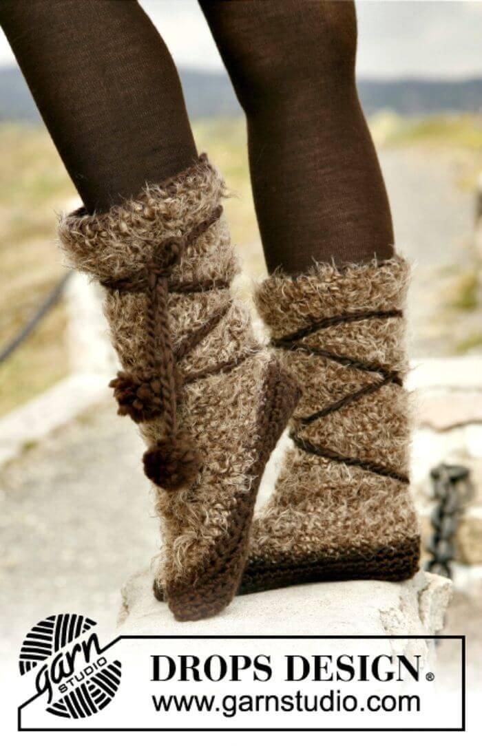 Easy Free Crochet Slippers Pattern In Melody