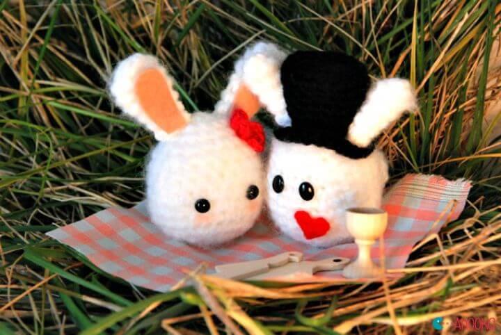 Free Crochet Valentine Bunnies Pattern