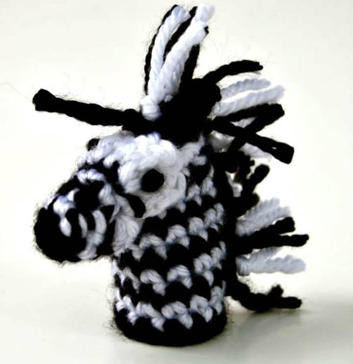 Free Crochet Zebra Finger Puppet Pattern