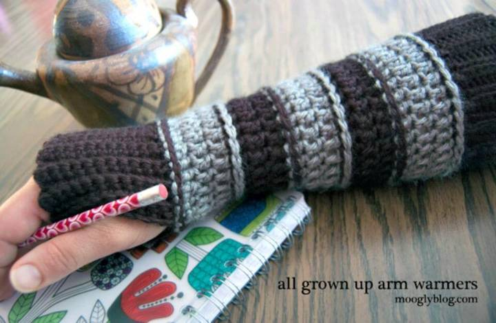 DIY All Grown Up Arm Warmers - Free Fingerless Crochet Pattern