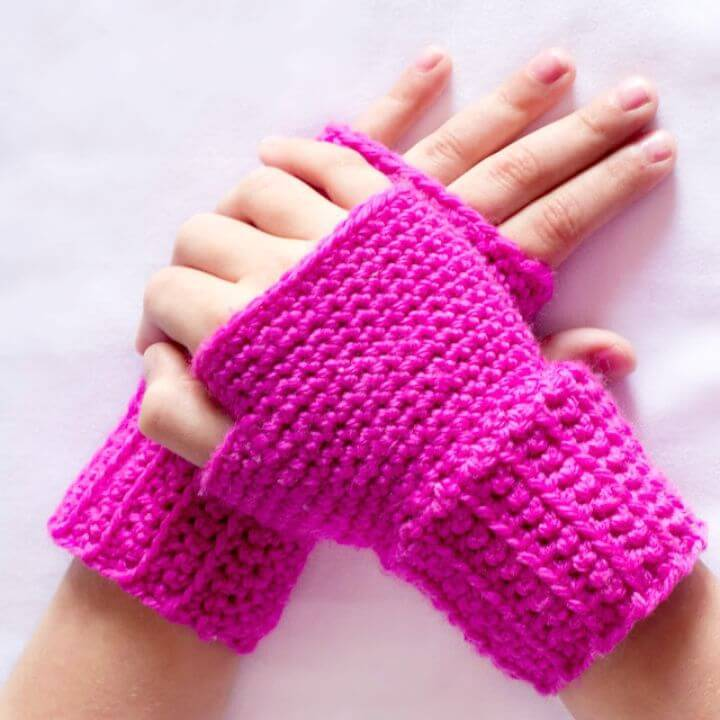 Free Crochet Basic Finger less Gloves Pattern