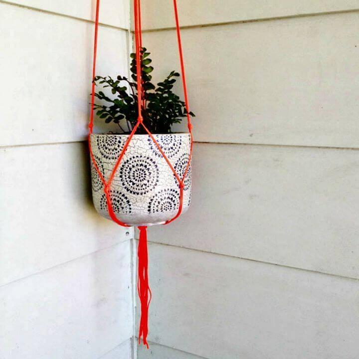 DIY Beautiful Macrame Pot Plant Hanger
