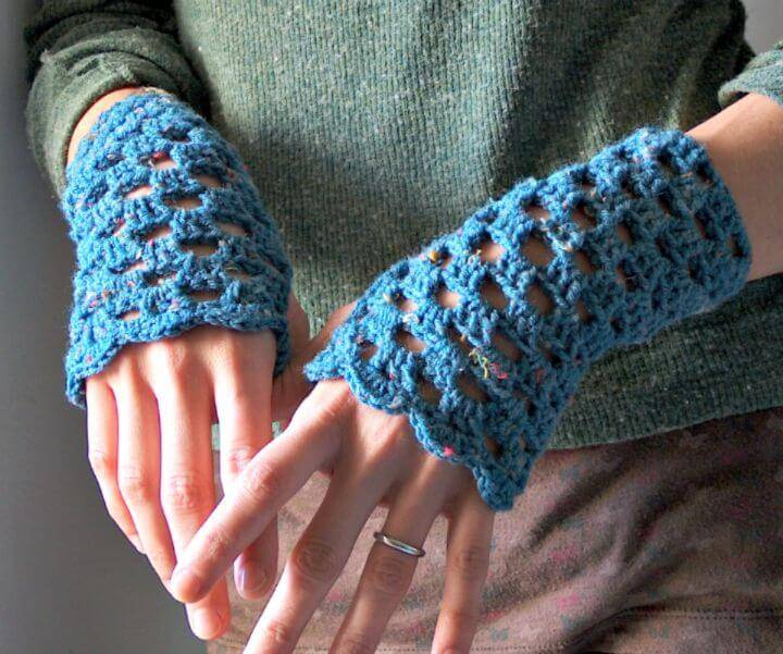 Easy Free Crochet Openwork Finger-less Warmer Pattern