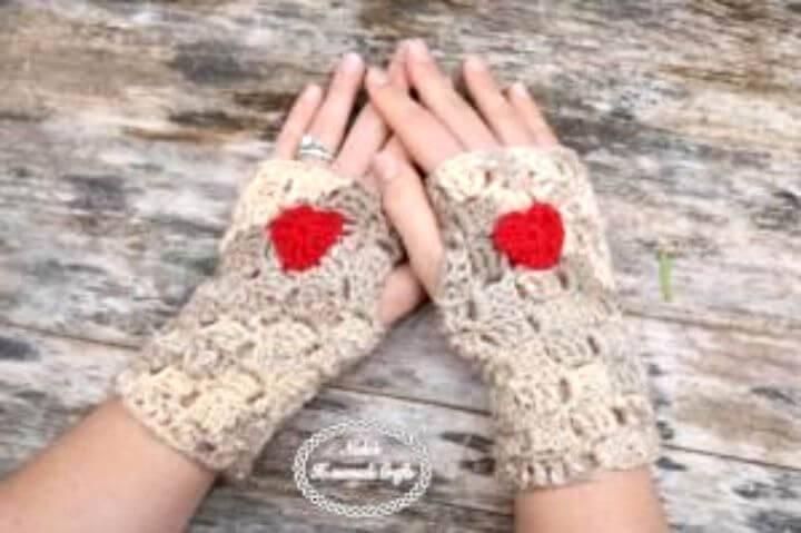 Free Crochet Fingerless Gloves With Heart