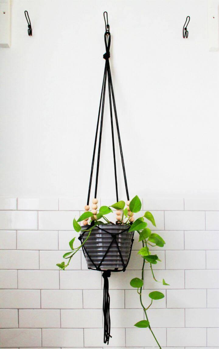 How To Make A Modern Macrame Hanging Planter
