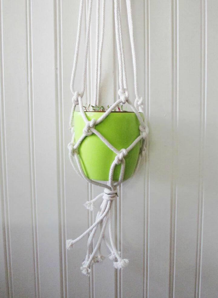 How to Make Macrame Plant Hanger
