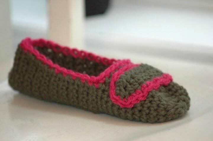 Easy Free Crochet Slipper Pattern