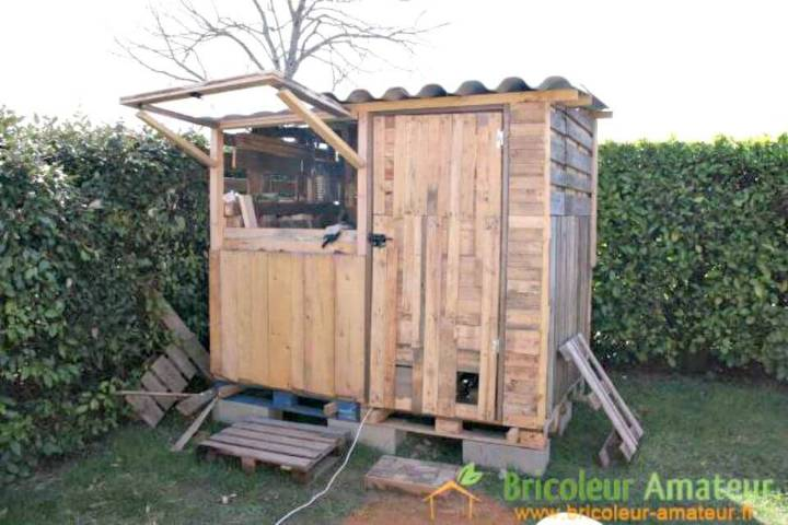 Easy Garden Shed Made With Pallets