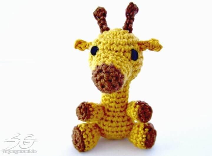 Free Crochet Amigurumi Giraffe Pattern