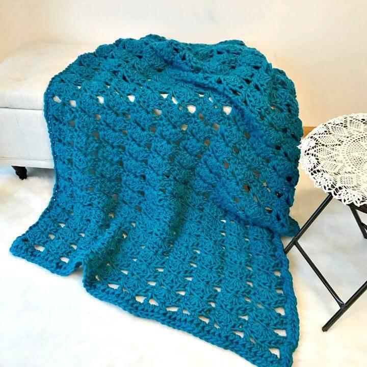 Free Crochet Augustine Chunky Blanket Pattern