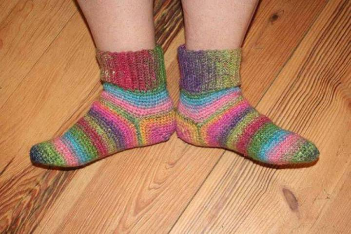 Super Cute Free Crochet Kemberlee's Socks Pattern