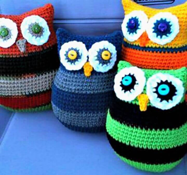 Free Crochet Owl Pillows in Two Sizes Pattern