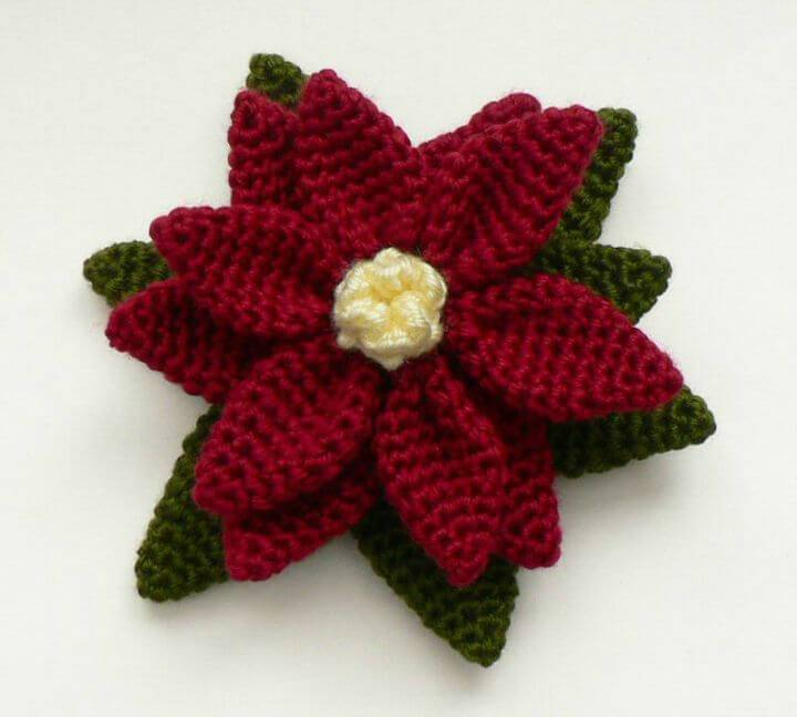 How To Crochet Poinsettia - Free Amigurumi Pattern