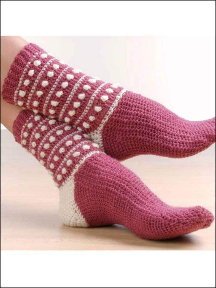 Easy Free Crochet Polka Dot Popcorn Socks Pattern