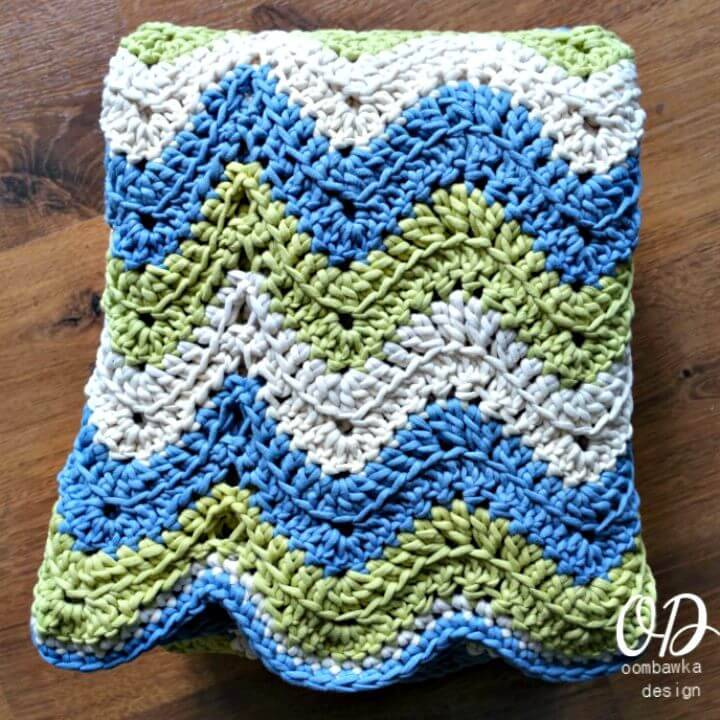 Crochet Tranquil Waves Ripple Blanket - Free Pattern