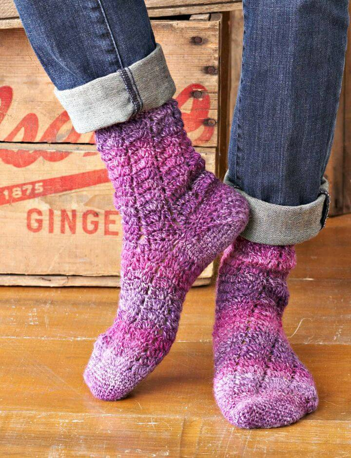 How To Free Crochet Twisting Lace Socks Pattern