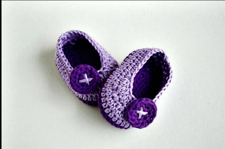 How To Free Crochet Violet Butterfly Baby Booties