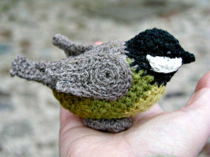 How To Crochet A Bird Amigurumi - Free Pattern