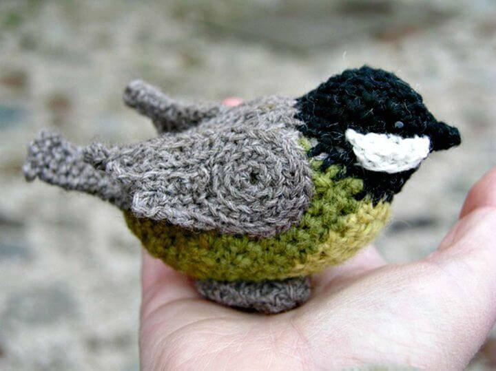 How To Crochet A Bird Amigurumi - Free Pattern