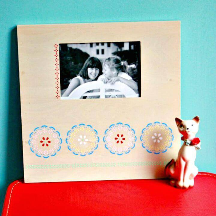 Fast And Easy DIY Stenciled Frame Tutorial