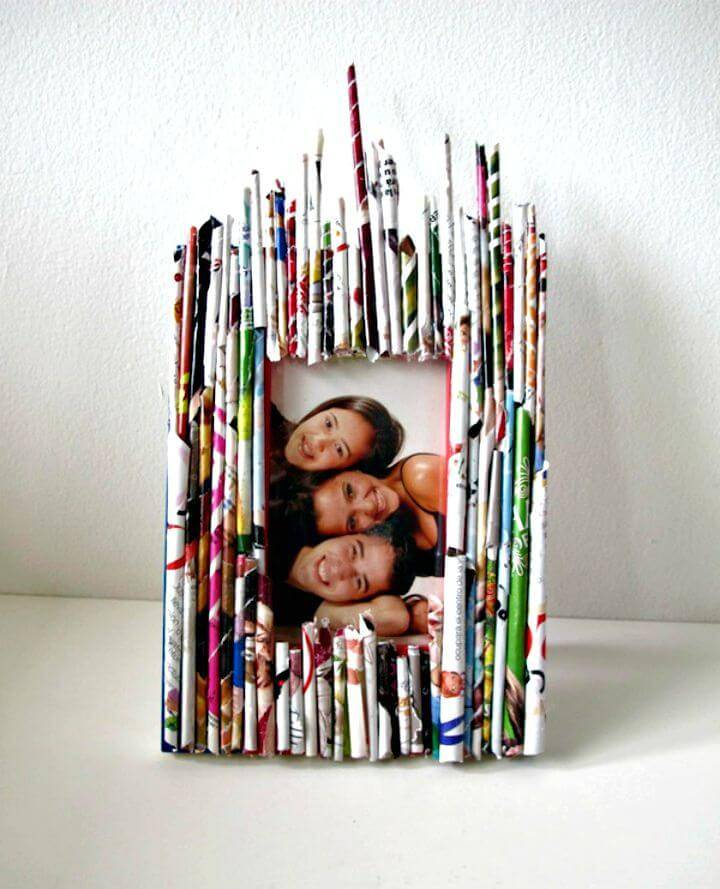 DIY Recycle-Your-Old-Zine Picture Frame