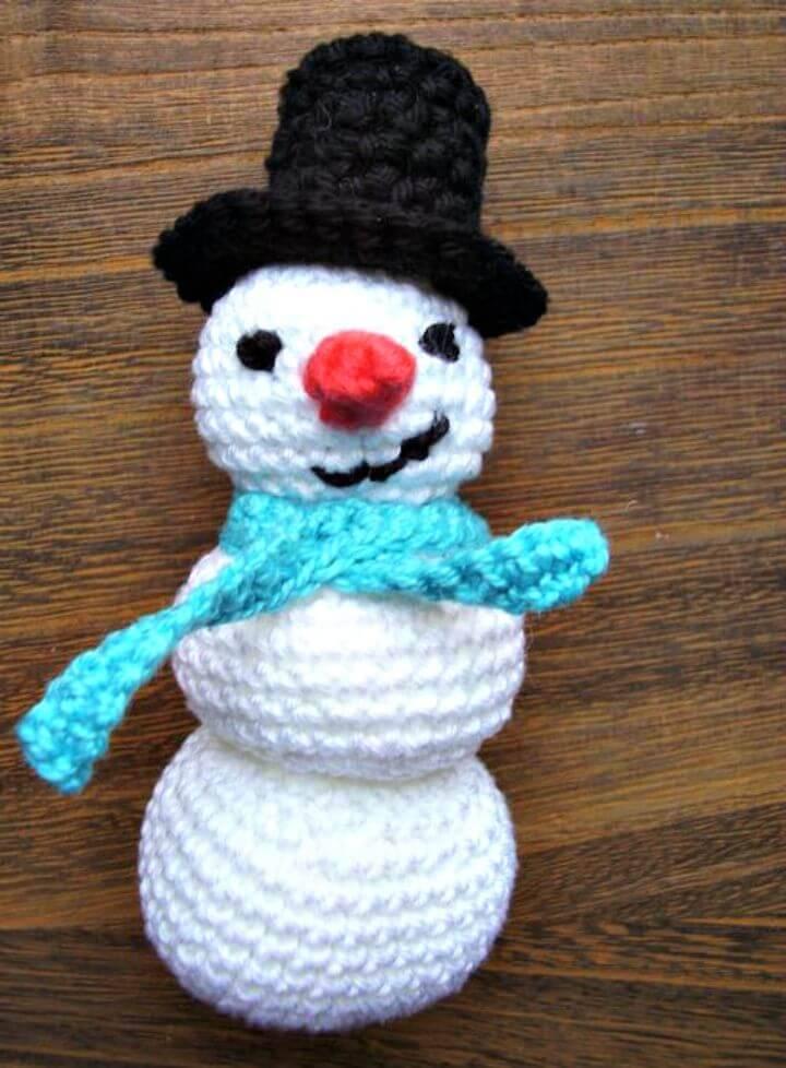 Easy Free Crochet Amigurumi Snowman Pattern