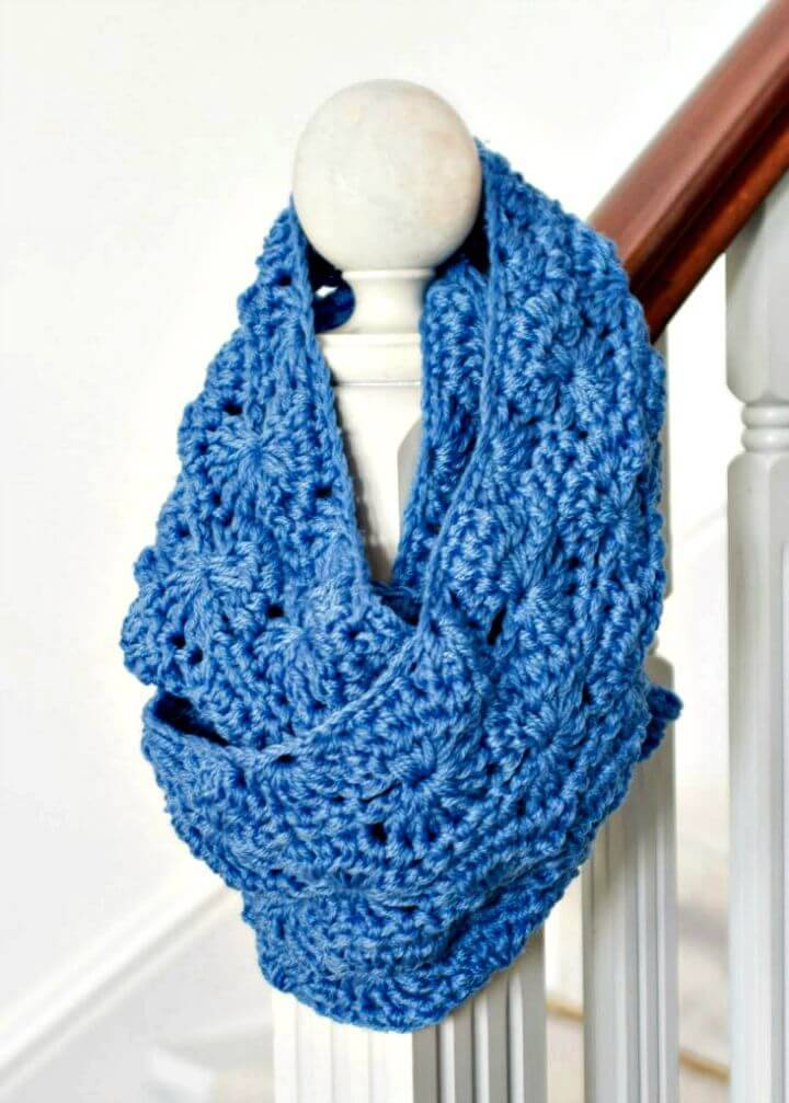 Easy Free Crochet Chunky Infinity Scarf Pattern