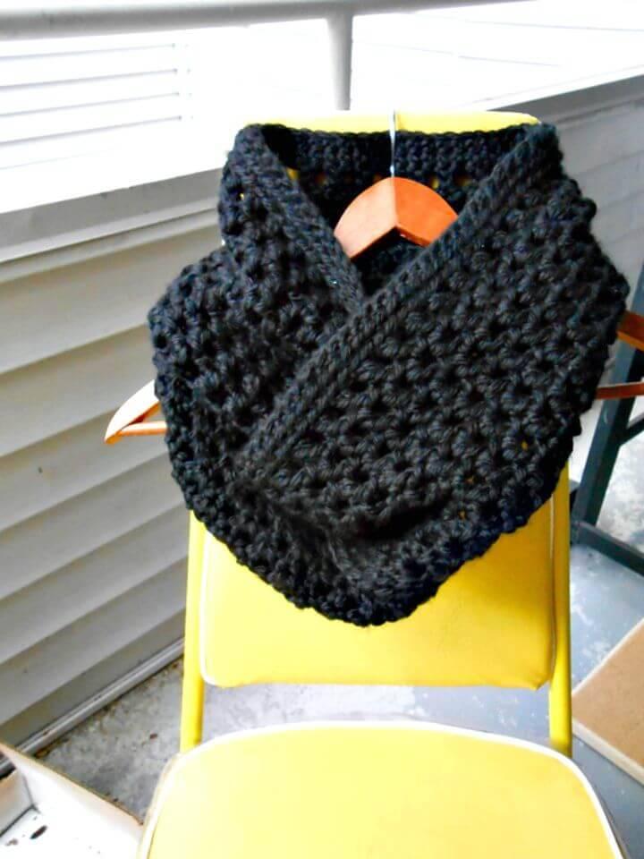 Free Crochet Chunky Winter Infinity Scarf Pattern
