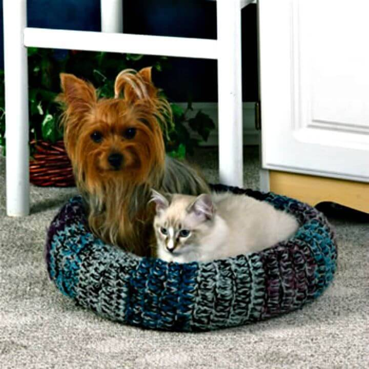 Free Crochet Cozy Cat Bed Pattern