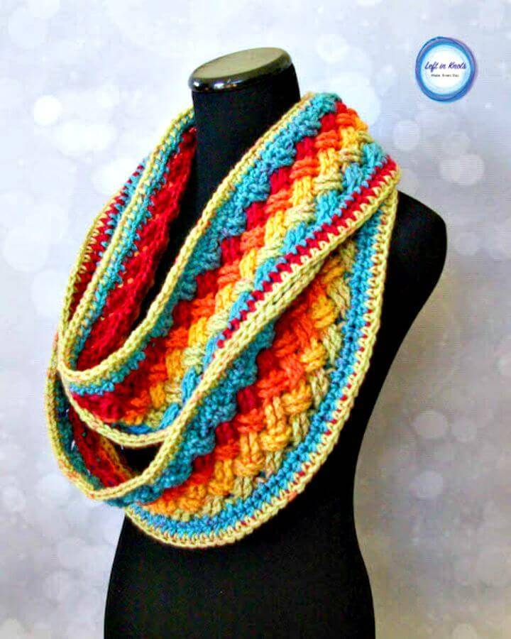 How To Free Crochet Lucky Celtic Infinity Scarf Pattern
