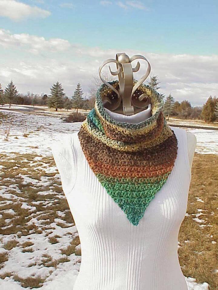 Free Crochet Bandito Cowl Pattern