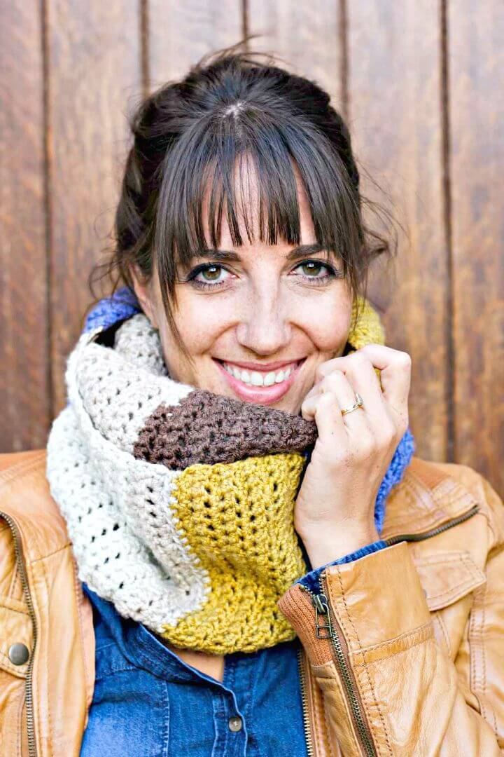 Free Crochet Piece Of Cake Cowl With Caron Cakes Yarn Pattern