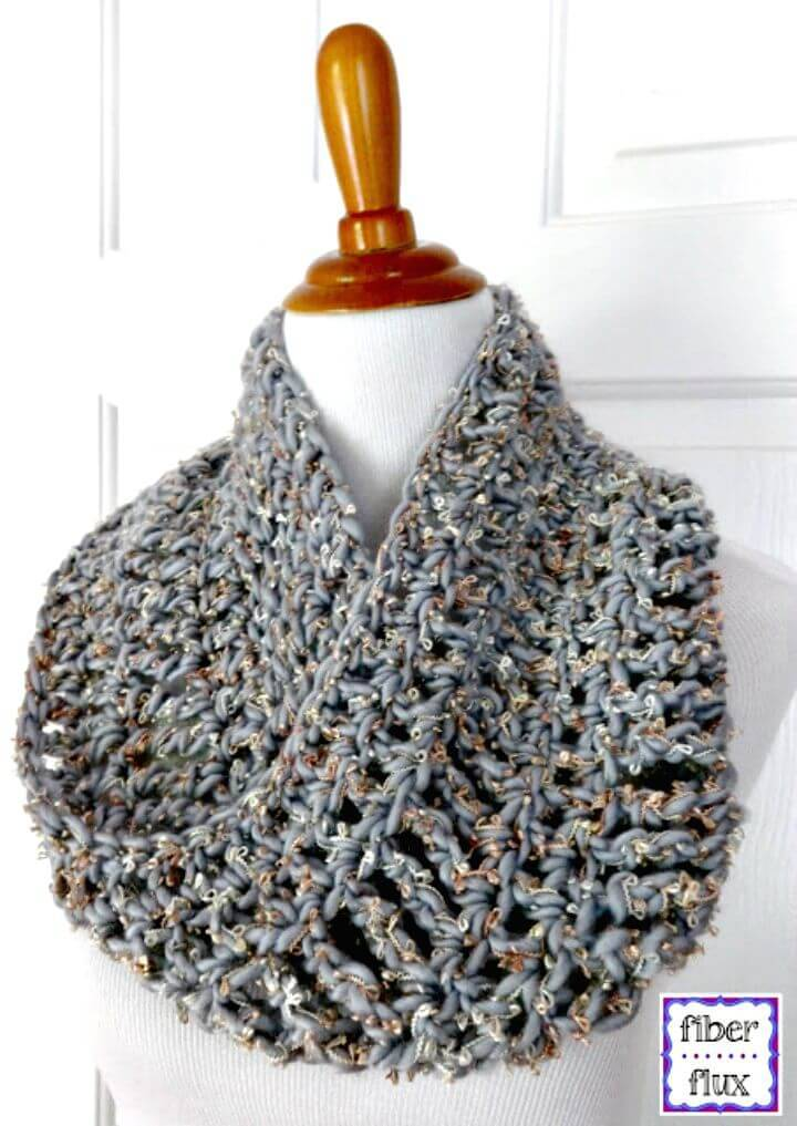 Easy Free Crochet Platinum Cowl Pattern