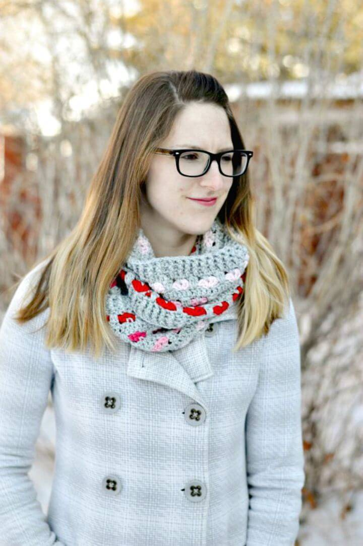 Easy Free Crochet Puppy Love Infinity Scarf Pattern