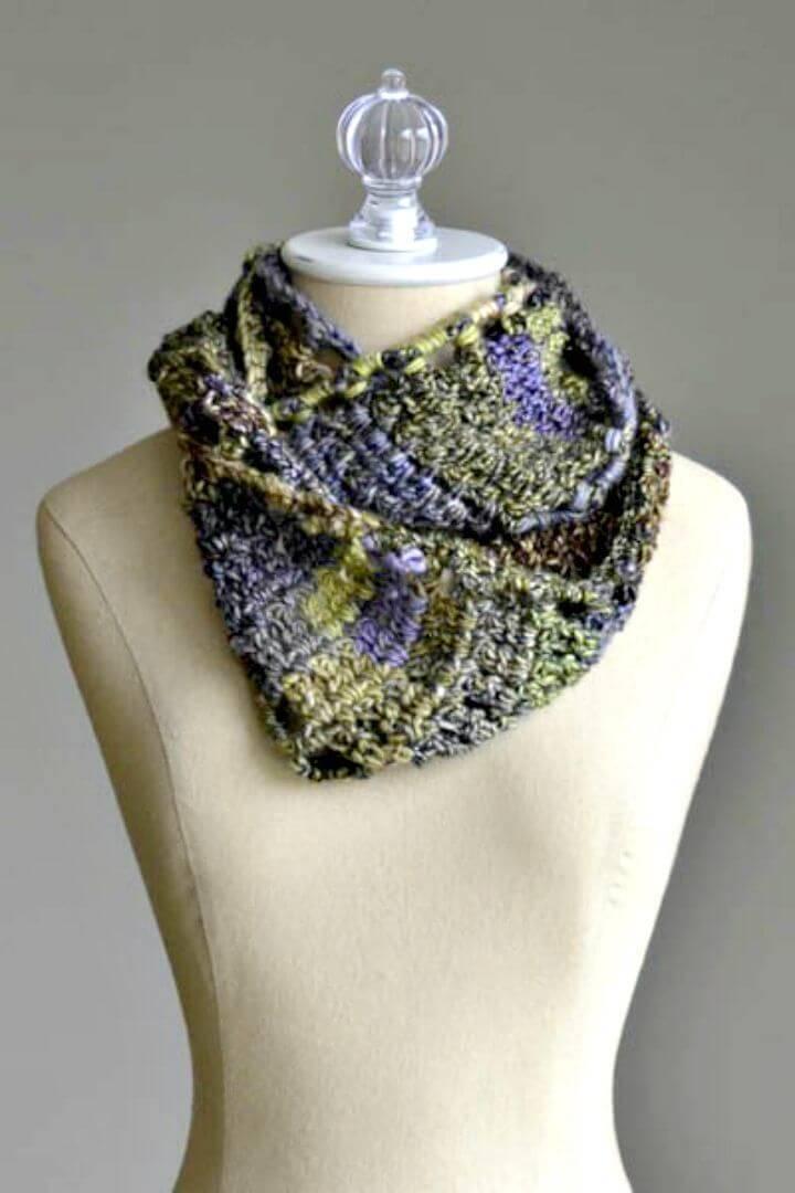 Free Crochet Rambling Cowl Pattern