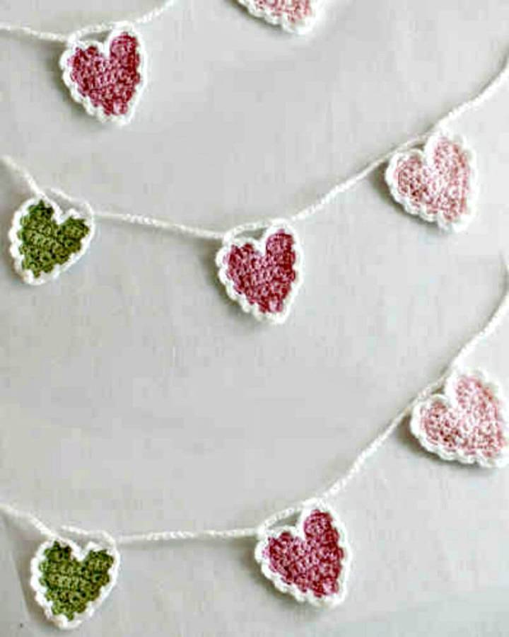 Easy Free Crochet String Of Hearts Pattern