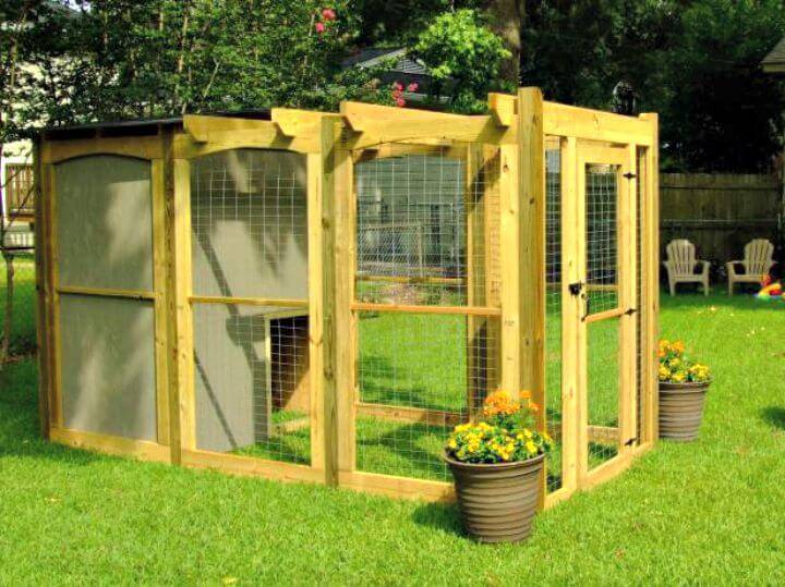 Easy How to Build a Dog Run With Attached Doghouse