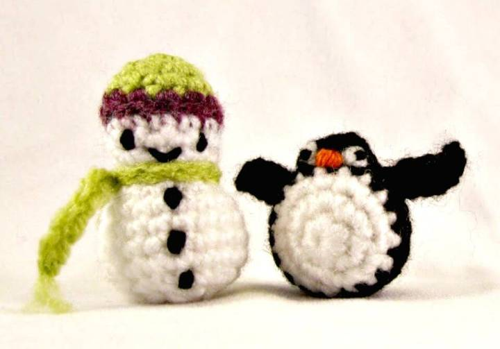 Free Crochet Mini Snowman Pattern
