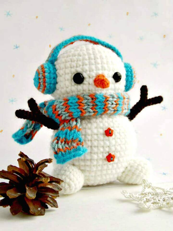 Pretty and Cute Free Crochet Snowman Pattern