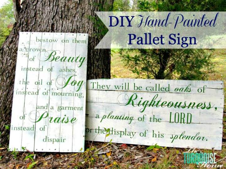 How to Build a Hand Painted Pallet Signs - DIY