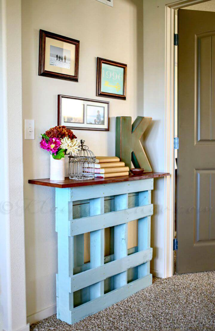 Easy DIY Pallet Entryway Console Table Tutorial