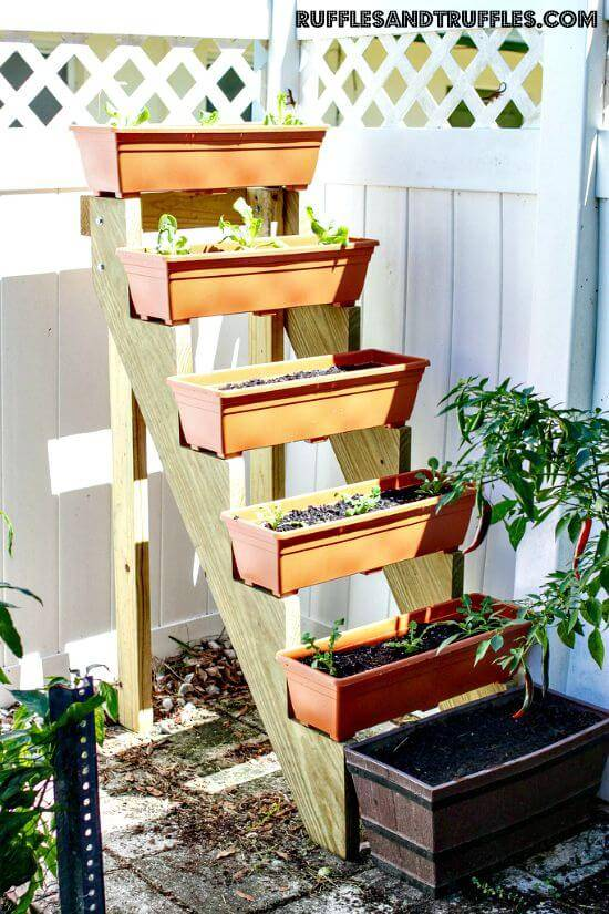 Easy DIY Vertical Ladder Planter Garden