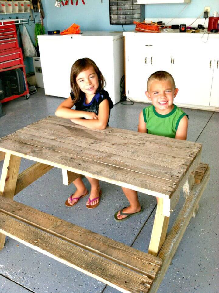 Easy DIY Kids Picnic Table From Pallet Wood Tutorial