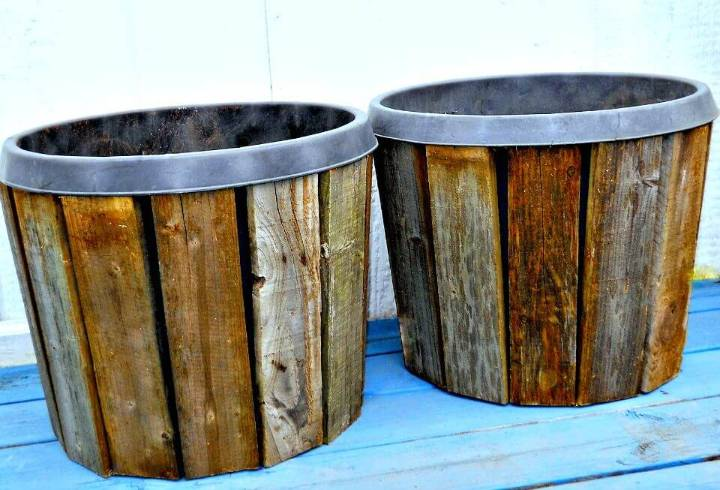 Easy DIY Pallet Wood Planter Covers Tutorial