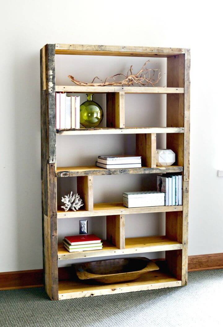 Easy Build Your Own Reclaimed Pallet Bookshelf Tutorial